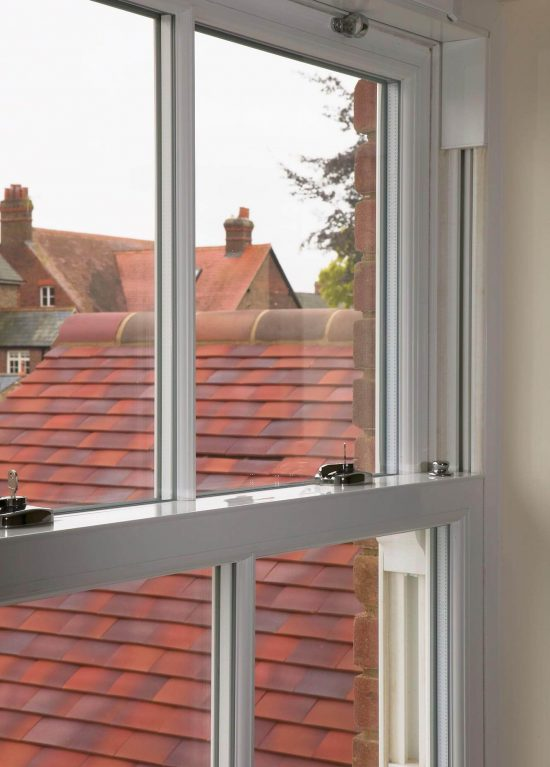 Vertical sliding sash window with authentic furniture